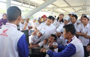 garcom-astra-motor-jateng-beri-pelatian-safety-riding-buat-karyawan-kubota3-coba-iding-trainer